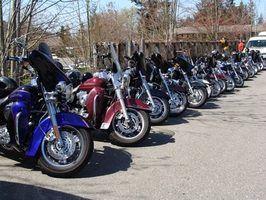 O FL Road King é uma moto de turismo com base em Harley`s original Electra-Glide.