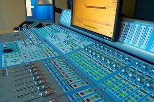 Vantagens e desvantagens de ser um produtor musical