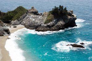 Tire férias na costa da Califórnia, que está situado ao lado do Oceano Pacífico.