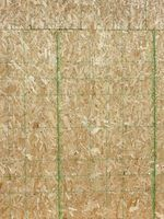 bainhas de madeira compensada são feitas de várias camadas de verniz coladas e compactados.
