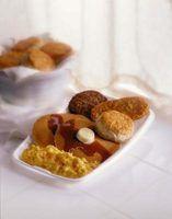 Idéias pequeno-almoço com panquecas mistura instantânea
