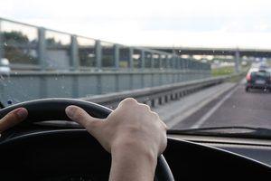 Leis da califórnia sobre acidentes durante a condução sem licença