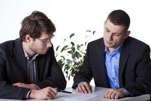 Pode um advogado ser um beneficiário em um testamento, ele elabora?