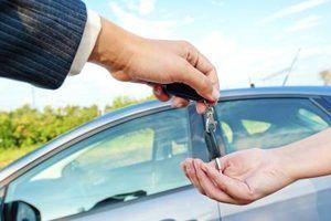 Posso vender o meu carro se meu título tem um titular de penhor sobre ele?