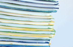 Cada cliente tem um arquivo com uma avaliação.