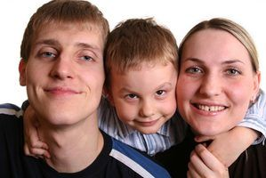 Ofícios cristãos para as crianças sobre a obedecer os pais