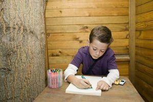 Artesanato para crianças com papel e marcadores