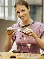 Formas criativas de exibir jóias em mercados de pulga
