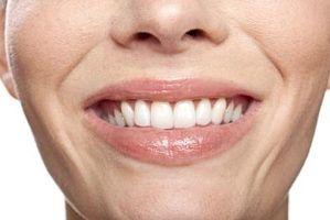 Perigos odontológicos de alta psi limpeza da água dos dentes
