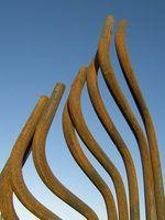 Ferro fundido é usado para fazer arte e como material estrutural.