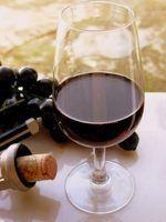 Diferentes tipos de rolhas para garrafas de vinho