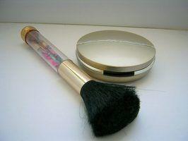 Direções para usar um limpador escova mac