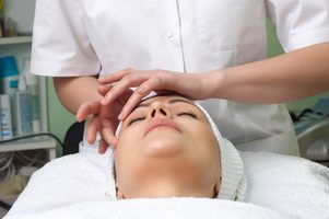 Técnicas européias massagem facial