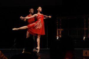 Dança negro americano famoso ou grupos que cantam