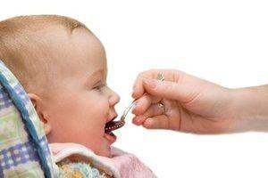 Alimentos sólidos para a 5 meses baby
