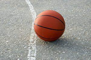 Jogos de basquetebol do divertimento para pe