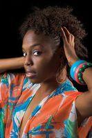 Penteados para cabelos grossos em mulheres negras
