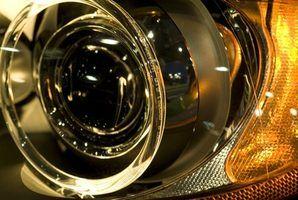 lâmpadas de descarga de alta intensidade usar gás xénon e vêm em uma gama de temperaturas de cor.