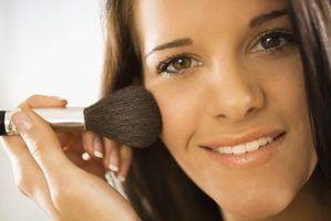Pincéis de maquiagem caseiros