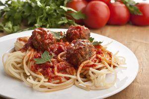 Como posso fazer o molho de espaguete mais grosso?