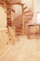 Como faço para construir um corrimão da escada de madeira em escadas em espiral?