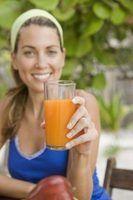 O Juiceman Juicer permite aos usuários criar suco de uma variedade de produtos.