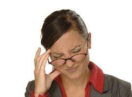Como faço para aliviar a dor de cabeça de privação de opiáceos?