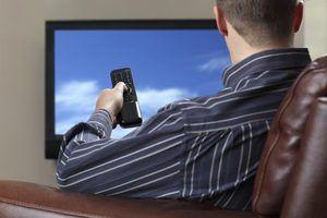 Como faço para corrigir televisão a cabo estático?