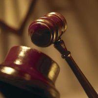 Quanto tempo é um mandado de prisão de alguém eficaz em uma violação da liberdade condicional?