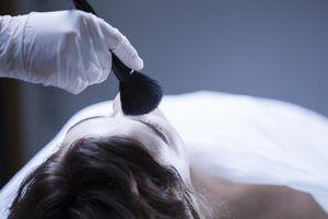 Quanto custa um cosmetologista mortuária fazer?