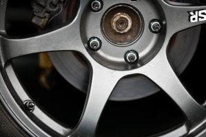 Como acessar o pneu sobressalente em uma rav4