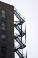 Como construir uma escada de incêndio