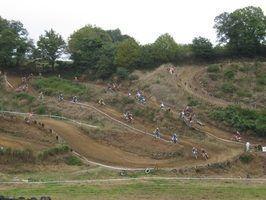 Como construir uma pista de motocross