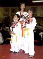 Como construir um rack cinto de taekwondo