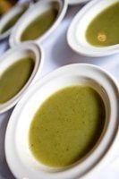 sopas enlatadas são um dos pratos mais populares para preservar em frascos.