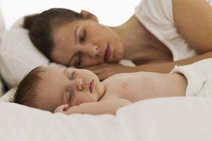 Como converter um berço em um co-sleeper