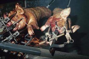 Como cozinhar um porco inteiro em um fumador