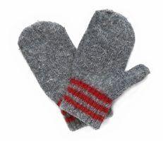 Como crochet luvas para uma criança