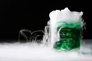 Como cortar gelo seco