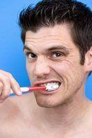 Como corrigir dentes de aparência acinzentada