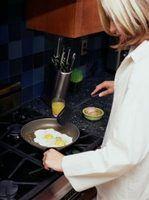Como fritar um ovo sem gema mole
