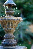 Como se livrar de lodo verde em fontes de água