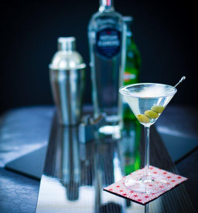 Como fazer um martini sujo com vodka