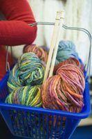 Como a tricotar com duas agulhas de diferentes tamanhos