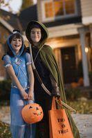 trajes Twinkie são uma solução simples para um equipamento DIY doce do Dia das Bruxas.