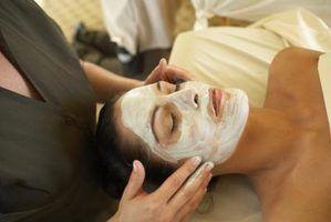 Como fazer máscaras caseiras para a pele oleosa