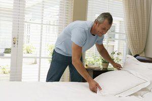Como fazer seus travesseiros ficar bem em sua cama