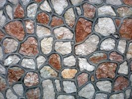 Como colocar verniz de pedra em um bloco de concreto