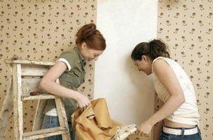 Como remover papel de parede com uma pistola de calor