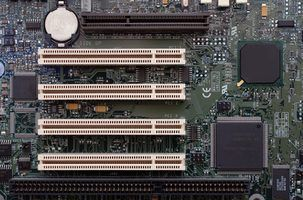 Como reparar o circuito de alimentação em uma placa-mãe laptop